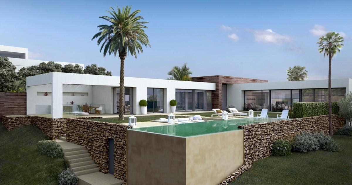 New development House in Altos de los Monteros