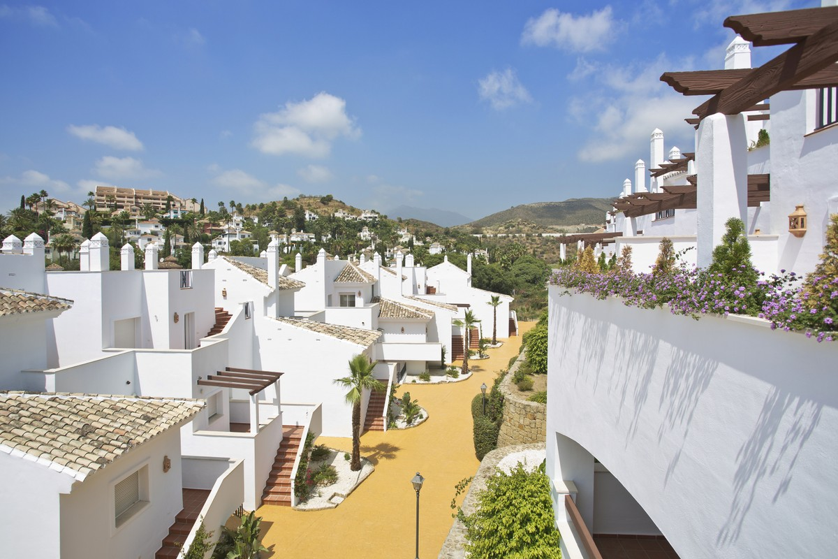 New development Apartment in Nueva Andalucía