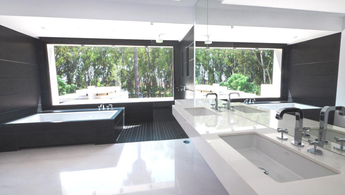 21. Dormitorio segundo alta-baño