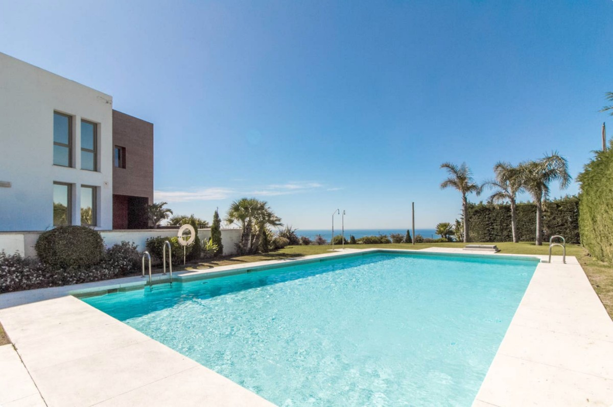 MAGNIFICENT TOWNHOUSE IN JARALILLOS- BENAHAVIS