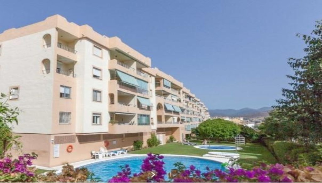 MIDDLE FLOOR APARMENT IN NUEVA ANDALUCIA